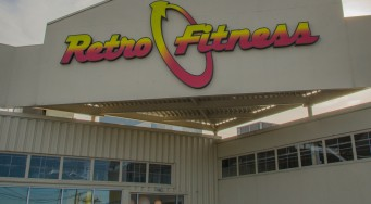 Ribbon Cutting with Retro Fitness of Oaks!
